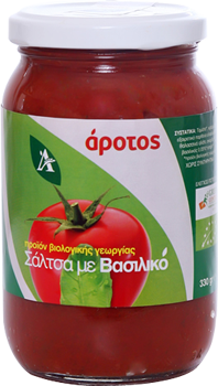 Tomato sauce with basil
